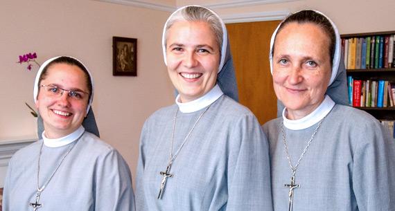 Siostry londyńskiej polskiej parafii z Walm Lane